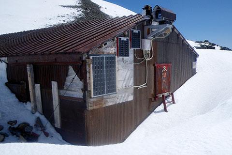 南岳小屋冬期小屋